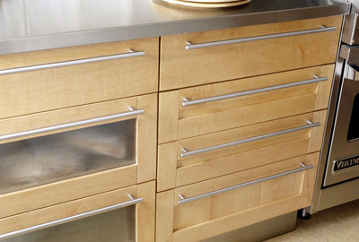 Home design tips kitchen cabinets 101 for Long kitchen cupboard